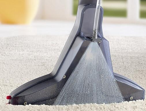 Чистим ковролин с помощью моющего пылесоса